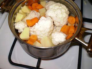 Ania mama Agnieszki: ziemniak, marchewka, kalafior z żółtkiem po 7 m-cu...