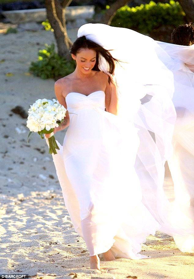 17 best images about simple as pie on pinterest beach for Wedding dress rental hawaii