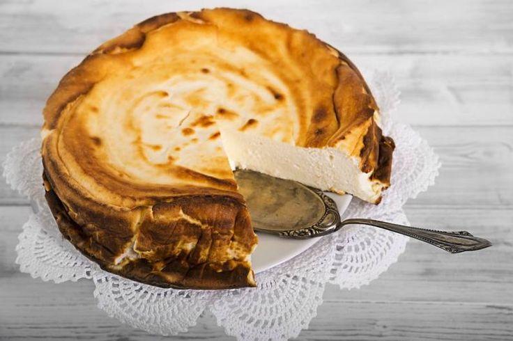 Machst du auch eine Low Carb Diät und sehnst dich nach einem leckeren Stück Kuchen? Kein Problem mit diesen köstlichen Rezepten für Low Carb Kuchen!