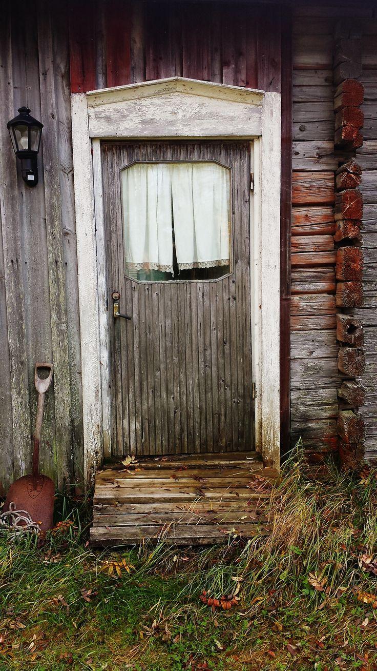 81 best images about knock knock on pinterest blue doors for Cottage back door