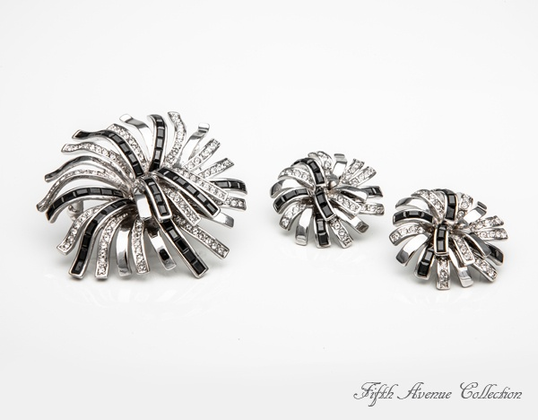 Glamour Made Easy is shimmering with Swarovski's jet hematite and clear baguette crystals. #broach #earrings #unique #jewellery #fashion #fashionjewellery #FifthAvenueCollection