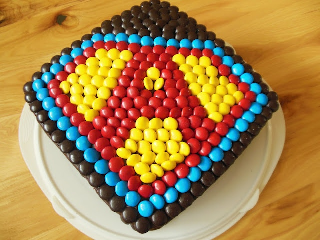 Superman cake - could I do Batman?ALL THINGS DELICIOUS