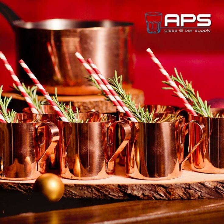 Bijna kerstmis voor de deur!! Al mooie gerechten en drankjes bedacht voor het kerstmenu? Op de webwinkel staan meerdere copper mugs die zich goed lenen voor een warme kerstcocktail, een traditionele Moscow Mule of een ander drankje. Het kopere materiaal zorgt voor een warme, authentieke uitstraling.  Bekijk de verschillende koperen mugs op: www.apssupply.nl  #coppermug #cocktail #drink #cheers #kerst #christmas #inspiration #koper