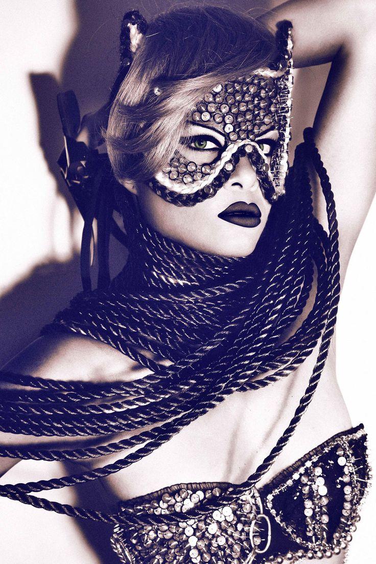 Maske - Page 5 32b83a9ad3b83841424b91f6616cf007