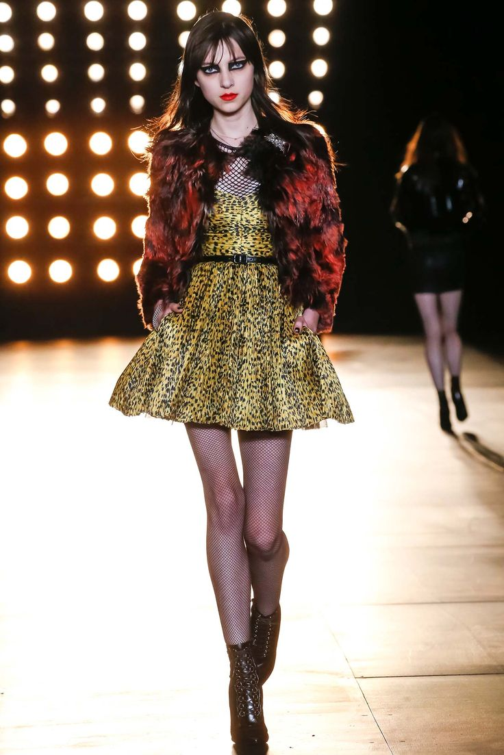 Saint Laurent - Fall 2015 Ready-to-Wear - Look 22 of 60