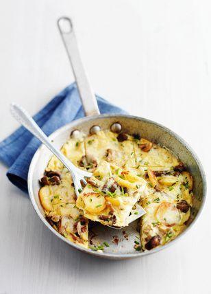 aardappelfrittata met paddenstoelen en boeren goudse belegen