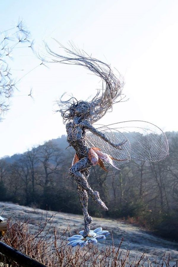 40 Extraordinary Line And Wire Sculptures – John Howland