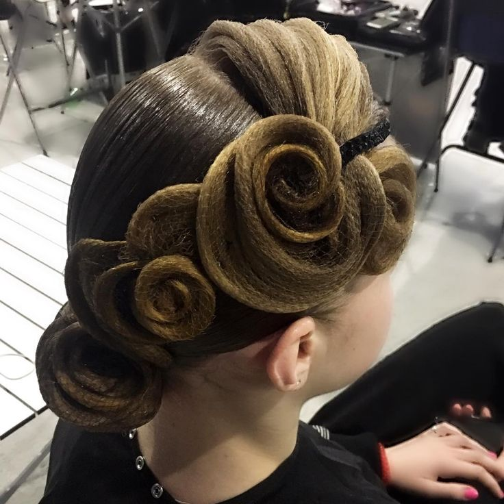 "85 Likes, 3 Comments - Стилист Katerina Isakova (@style_by_katya) on Instagram: ""Hairstyle by me #katerinaisakova ,Image-studio ARTECREO @artecreo…"""