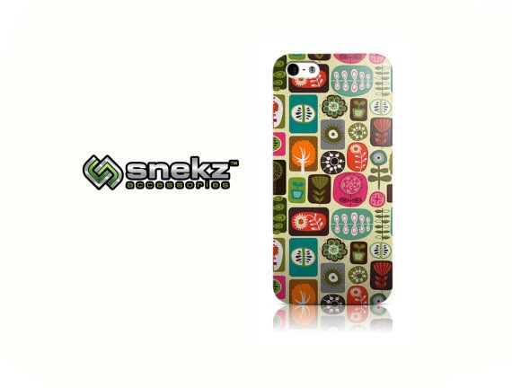 Crops is available for iPhone 4/4S, iPhone 5/5s and iPhone 5c. The picture shows the design on an iPhone 5/5s case.  This is from our Snekz brand of
