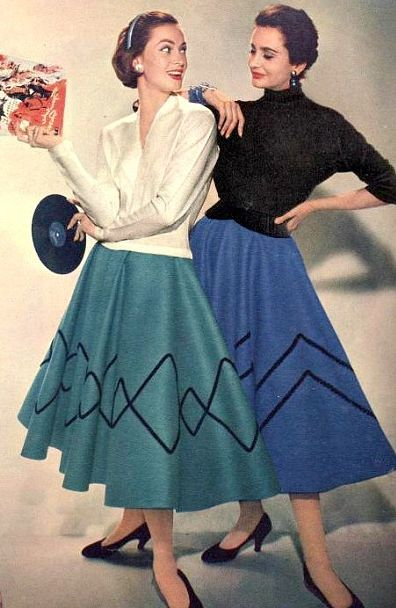 BURDA MODEN August 1955 mid 50s vintage fashion circle skirt blue green novelty print stripe color photo print ad models magazine sweater shoes black hairstyle white