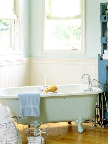 Belly of tub and walls same color. Nice floor color.Perfect Bathtubs, Clawfoot Bathtubs, Clawfoot Tubs, Beadboard