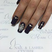 Элегантный маникюр с черным лаком (38 фото) - Дизайн ногтей