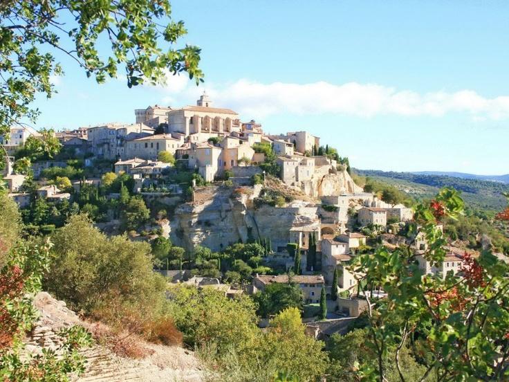 Gordes, France - Vos billets de train cet été dès 15 € - Bon plan voyage de Belvedair à partir de 15€