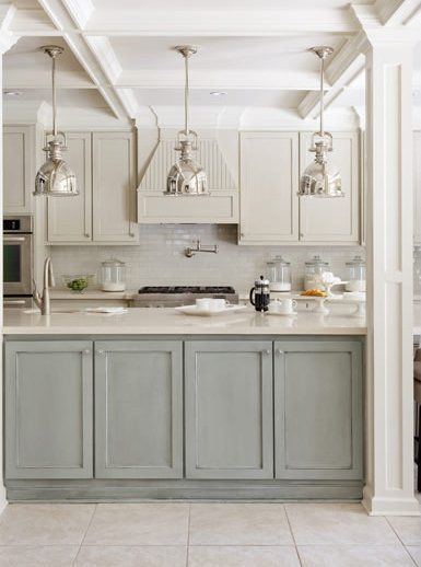 Gray and cream is such a soothing color combination in the kitchen. Do you love it, too? If so, I have five lovely kitchens to share with you, plus a tip from a friend on the perfect off-white paint color to get this subtle, sophisticated look.
