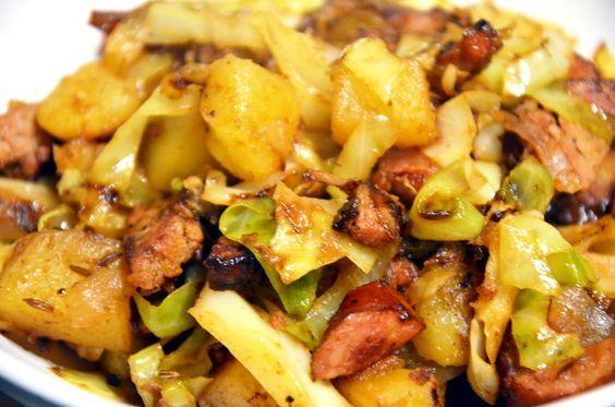 Jednogarnkowe danie – z kapustą, kiełbasą i ziemniakami