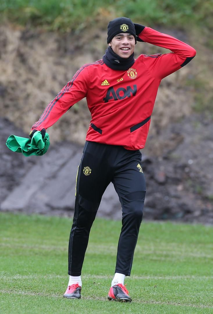 Manchester United Training Session Before Wolves Match Manchester United In 2020 Manchester United Training Manchester United Manchester