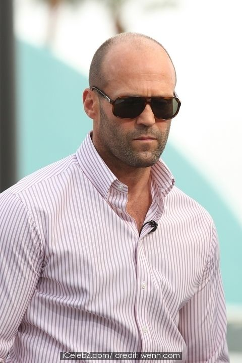 Jason Statham filming Extra with Mario Lopez at Universal City Walk See More Pic. http://www.icelebz.com/events/jason_statham_filming_extra_with_mario_lopez_at_universal_city_walk/