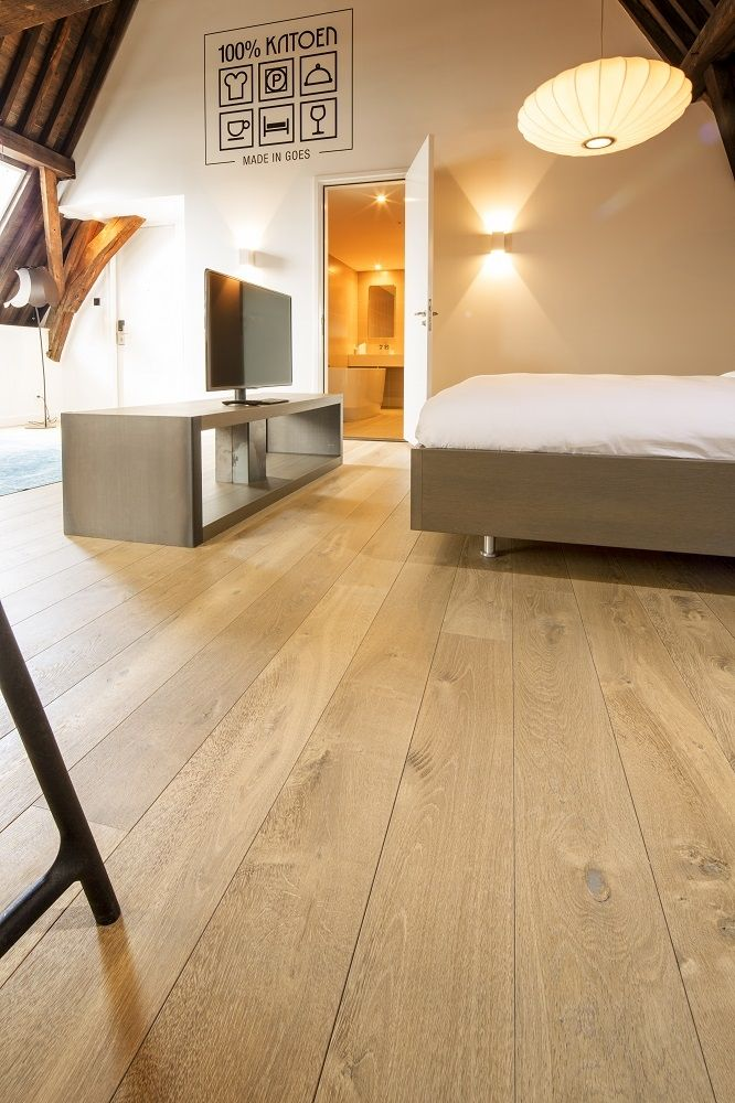 Hakwood flooring european oak colour collection for High end carpet manufacturers