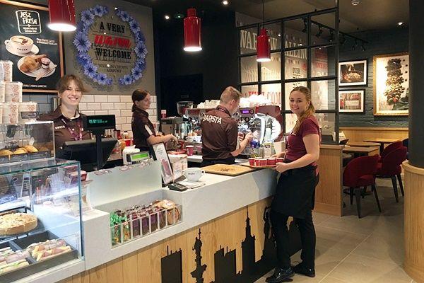 KAWIARNIE COSTA COFFEE Z ALKOHOLEM W OFERCIE