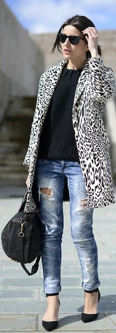 Black Sweater and shoes with Jeans#Gorgeous Blazer