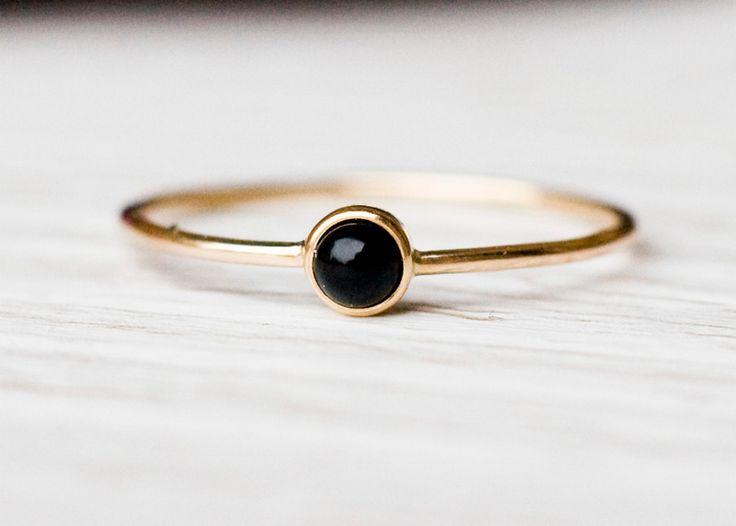 Goldschmuck - 14k schwarzem Onyx Ring Februar birth - ein Designerstück von arpelc bei DaWanda