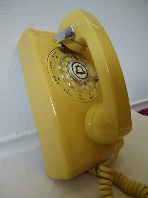 1962 RESTORED YELLOW ATT BELL WESTERN ELECTRIC ROTARY WALL PHONE TELEPHONE