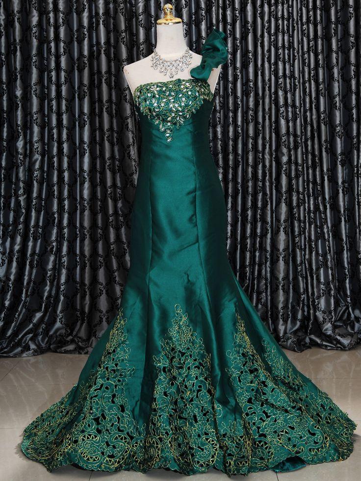 Gaun Mermaid 150-05  Gaun Long Dress model mermaid dengan bordir Warna Hijau, Biru & Merah Belakang tali-tali Store TEKSD Harga Rp 2.600.000.-Promo