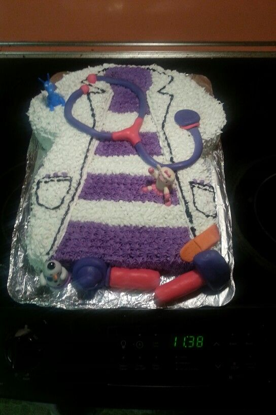Doc mcstuffin cake.  Want this done in cupcakes for my daughter's birthday!