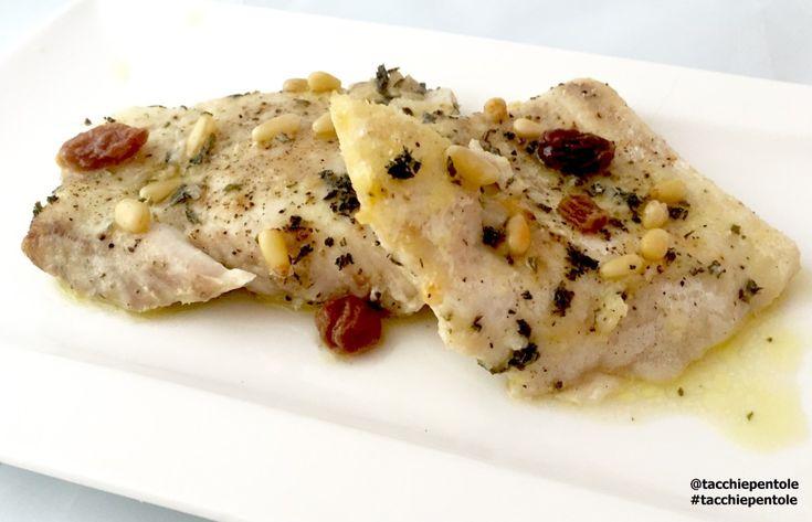 Filetti di pesce persico al forno con uvetta, pinoli ed erbe aromatiche #ricetta di @Tacchiepentole