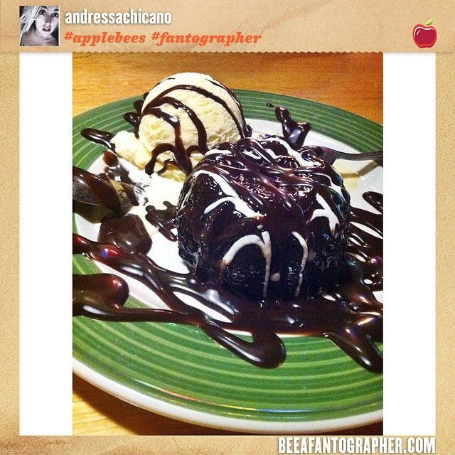 Applebee's Tag your favorite 2 for $20* pics with #Applebees #Fantographer #FanFavorites for a chance to be featured. http://www.beeafantographer.com