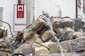 #Terremoto L'ANSA continua a seguire il terremoto, invia foto e video: L'Agenzia vuole mantenere alto il livello di attenzione sul…