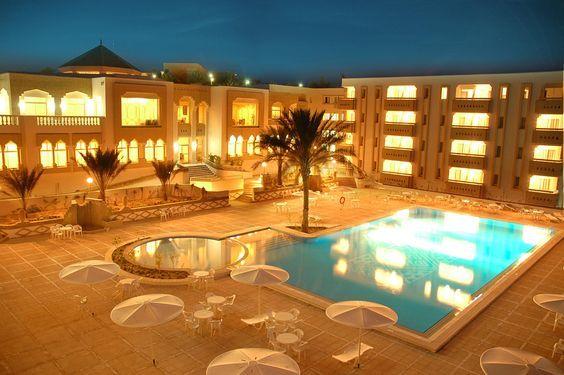 Puisque votre confort est notre priorité, Notre Clinique vous garantie un séjour de qualité pour votre intervention de chirurgie esthétique en Tunisie. Pour plus d'information sur les étapes de votre séjour esthétique en Tunisie Visitez
