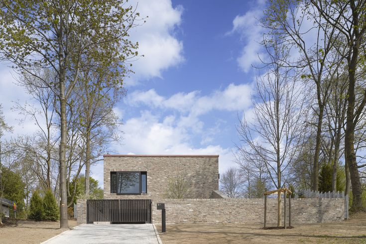 http://www.archlro.de/de/projects/projects-housing/wohnhaus-bad-saulgau?order=years
