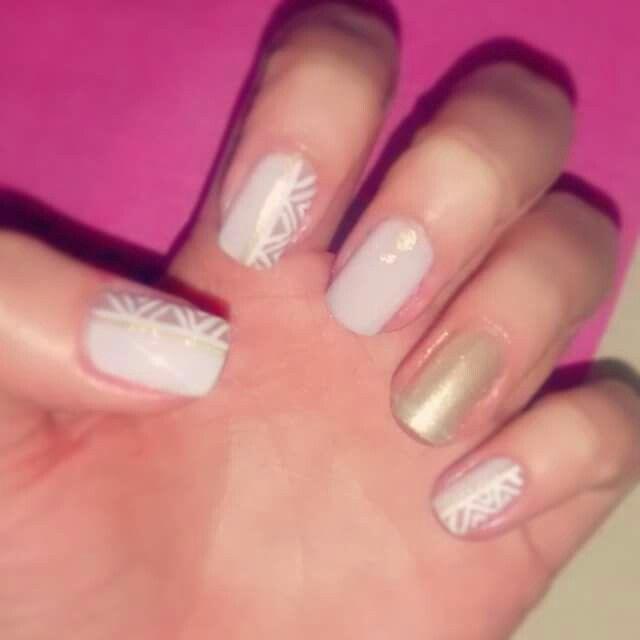 #Soft #Gold #Tribal #NailArt #Nails