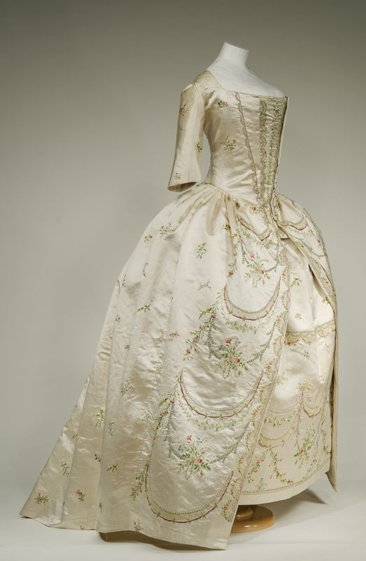 Robe parée, 1780-90 From the Bayerisches Nationalmuseum Munich via Bernina