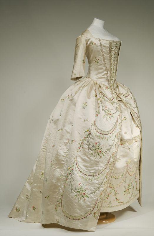 Robe parée, 1780-90 From the Bayerisches Nationalmuseum Munich via Bernina