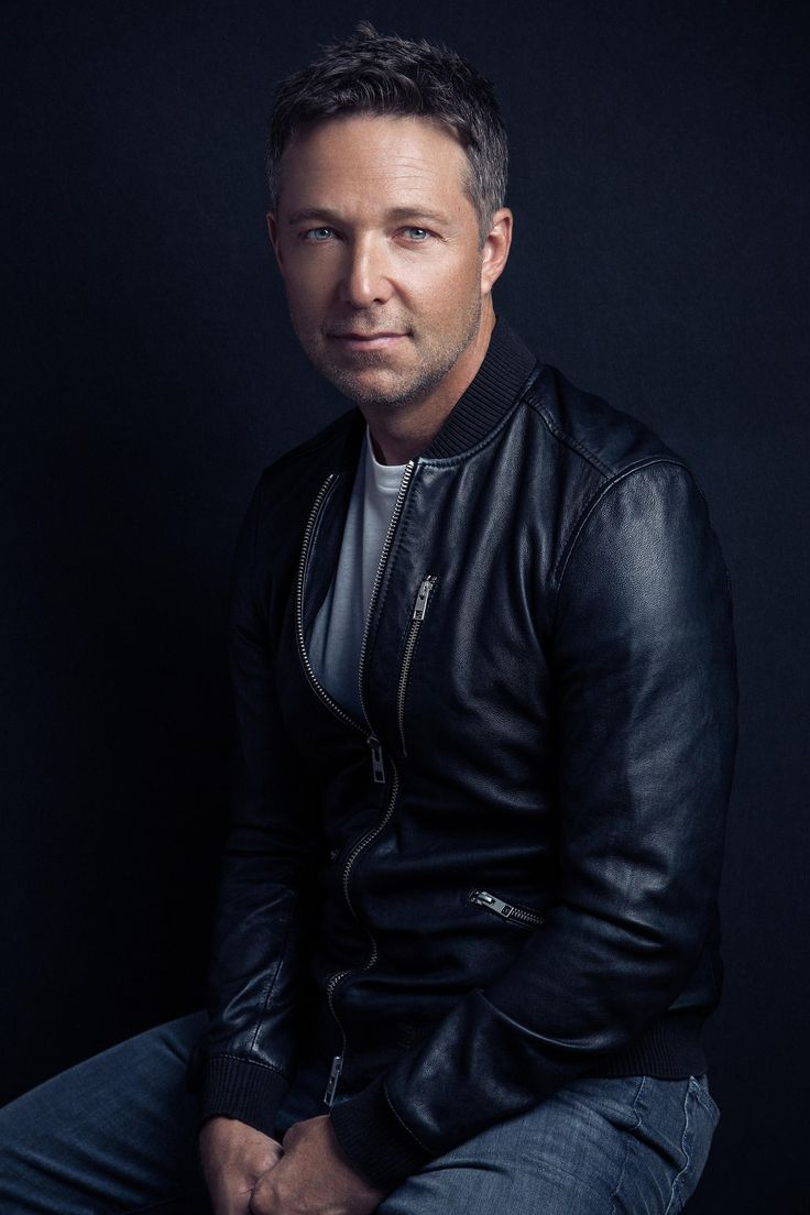 "from jaehakim.com: After his breakthrough role in ""Father of the Bride,"" George Newbern's versatile resume has included stints on ""Friends"" (where he played a ""Yeti"") and his"