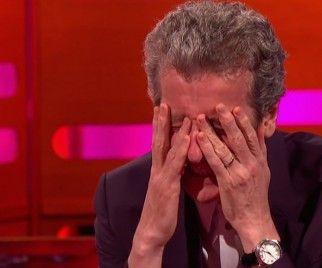 Aww, de Peter Capaldi tan avergonzado Sobre Su DOCTOR WHO Fanboy Pasado