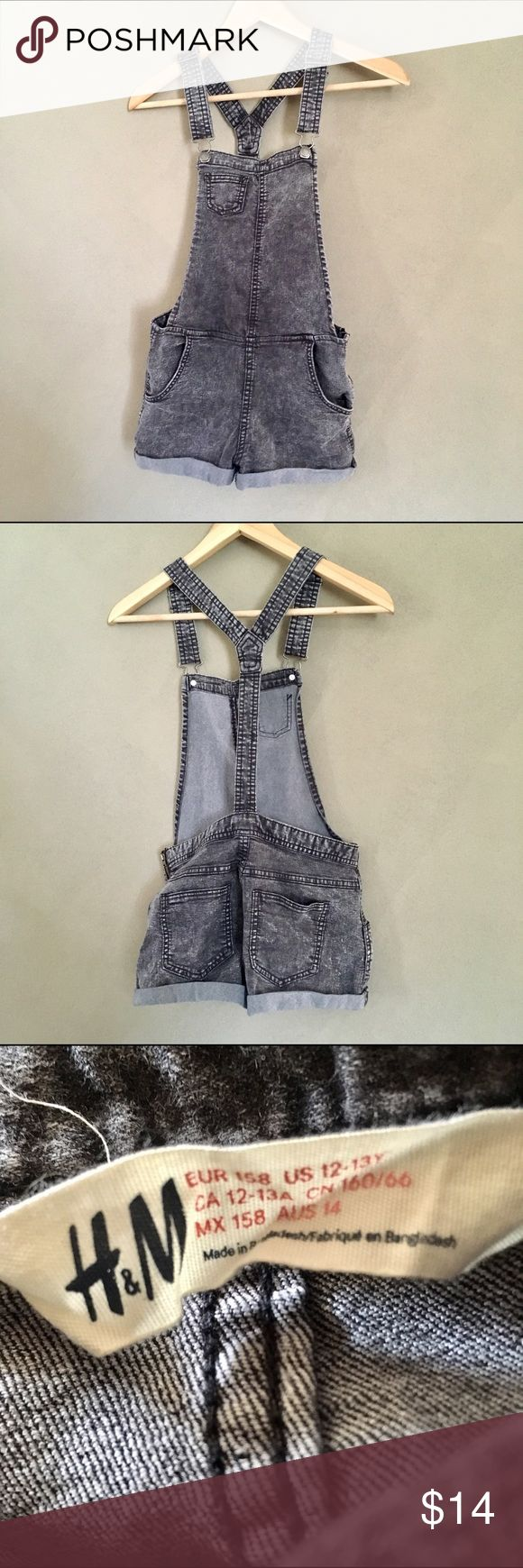 Kids [H&M] Acid Washed Denim Shorts Overalls Kids [H&M] black acid washed denim cuffed shorts overalls in an excellent/like new condition size 12-13yo. Way cute! H&M Bottoms Overalls