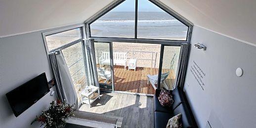 """Strandhuisje Julianadorp aan Zee, Noord-Holland - mooi en modern ingericht en natuurlijk met unieke ligging. Zeker geen standard """"Landal"""" huisje."""