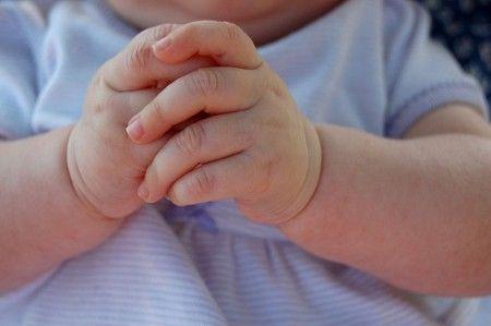 Regali di Natale 2011 fai da te, l'impronta della mano dei bambini per i nonni