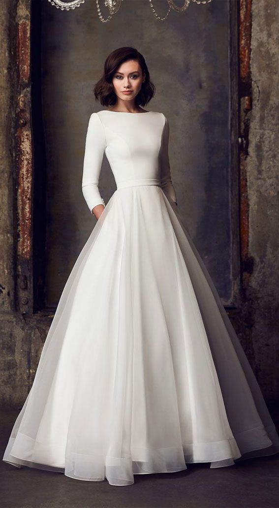7 Chic Long Sleeve Wedding Dresses In 2020 Ball Gown Wedding Dress Elegant Wedding Dress Ball Gowns Wedding