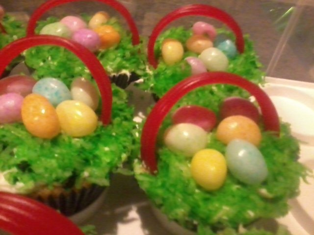 Easter Basket Cupcakes for Easter Sunday Church service: Easter Bonnets, Cupcakes Ideas, Baskets Cupcakes, Easter Crafts, Easter Bunnies, Easter Baskets, Easter Cupcakes, Day Easter Spr, Cupcakes Rosa-Choqu