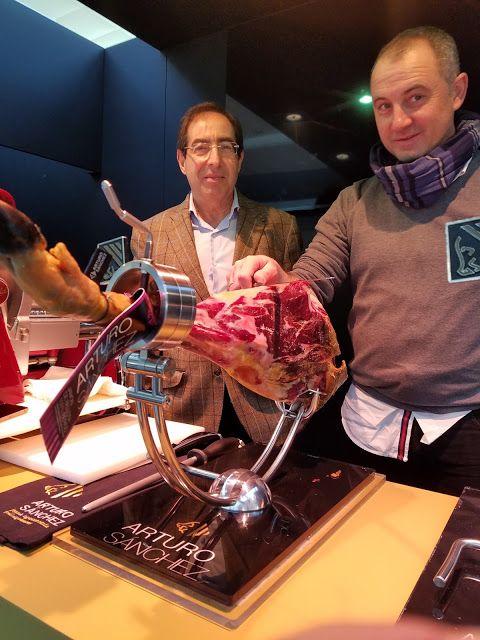 Arturo Sánchez, one of Spain's greatest producers of jamón Ibérico de Bellota and embutidos (charcuterie) from Guijuelo (Salamanca) with José Ángel Muñoz, his company's cortador de jamones (professional ham carver) at Asisa Madrid Fusión 2017. Photo by Gerry Dawes©2017 #amf17 #arturosanchez