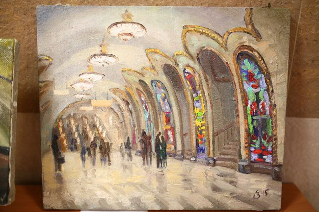 In celebration of International Artist Day, the Moscow Metro invited 15 students and graduates of Russian art schools to create works of art depicting metro stations.#subway #metro #underground #painting #art #gallery #moscow #Russia #culture #guide #places
