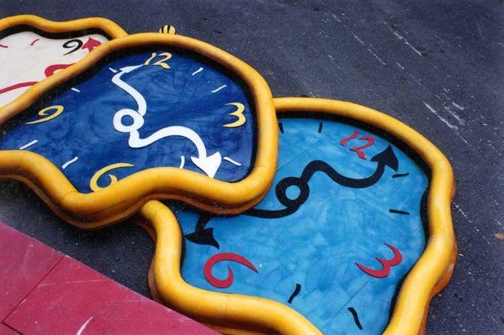Il #tempo galoppa, la vita sfugge tra le mani. Ma può sfuggire come sabbia oppure come una semente. (Thomas Merton)