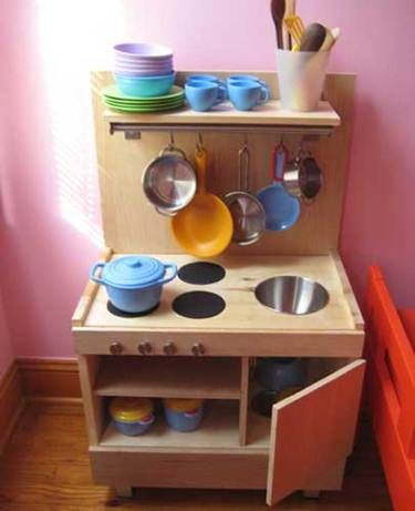 I want to make a kitchen for my four year old and this looks perfect! Need more ideas.