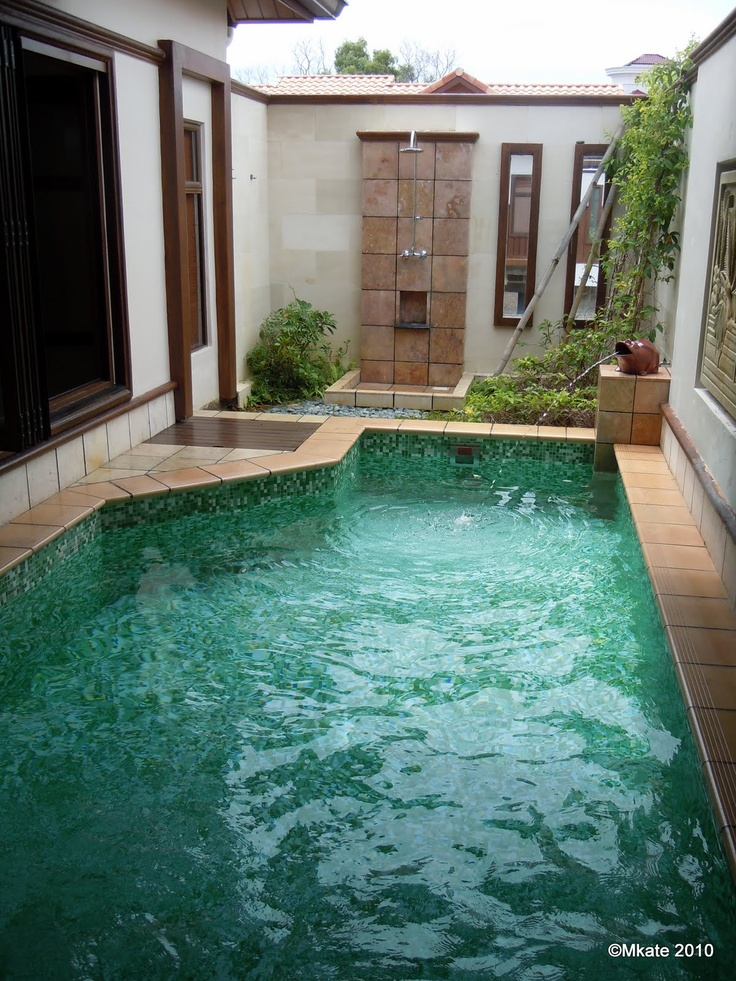 Pool outdoor shower water feature ideas dream home bath for Pool bathroom ideas