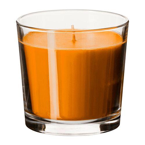 SINNLIG Geurkaars in glas IKEA Zorgt door de aangename geur van zonnige mandarijnen en het warme schijnsel voor een prettige sfeer.