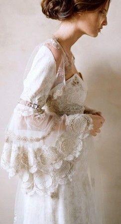 vintage inspired. Lovely dress